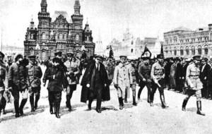 Al centro della foto: Vladimir Ilic Ulianoff, Lenin