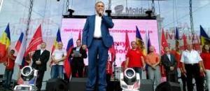 Igor Dodon, segretario dei Socialisti (primo partito in queste elezioni), che con i comunisti segue una politica filorussa