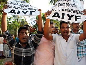 Manifestazione contro l'assassinio di due pescatori in India