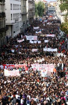 Torino, manifestazione per la scuola
