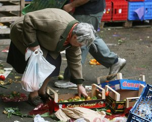 la povertà quotidiana di migliaia di persone nelle grandi città italiane