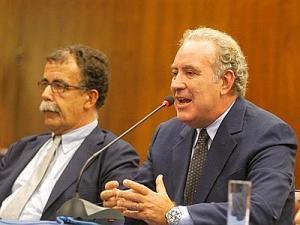 Sandro Ruotolo, candidato alla guida della Regione Lazio, con Michele Santoro