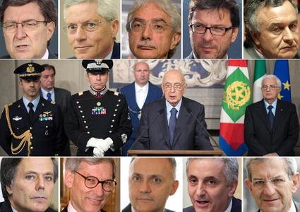 Al centro Giorgio Napolitano. Intorno alla foto, i volti dei dieci saggi. (Foto Ansa)