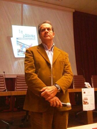 Daniele Poto, ad una presentazione del suo libro, le mafie nel pallone