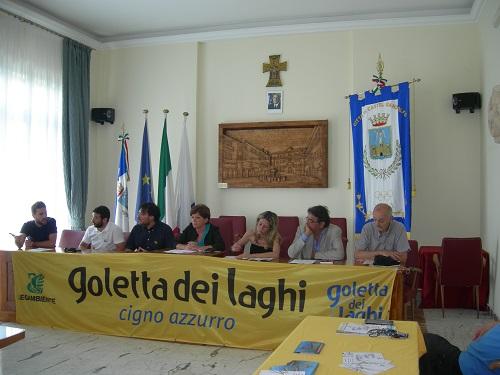 Gli oratori della Conferenza di Goletta dei Laghi di Legambiente. Al centro il sindaco Milvia Monachesi