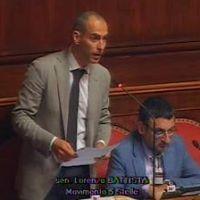 Senatore Lorenzo Battista che ha proposto, nella intervista a Matrix, una linea politica opposta a quella di Grillo