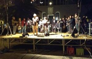 Sabato 9 novembre, piazza Don Bosco, il palco (Foto dal giornale Laprimaveradiroma)