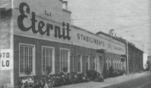 Una delle ex fabbriche Eternit